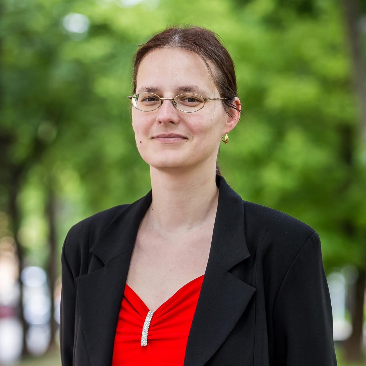 doc. PhDr. Jana Šutajová, PhD.